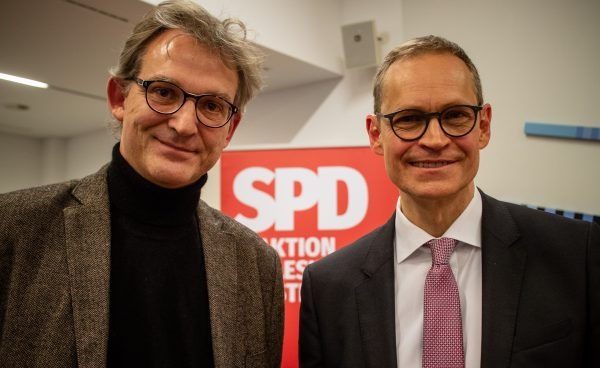 Michael Müller und Jan-Christoph Schultchen im Kieler Landeshaus